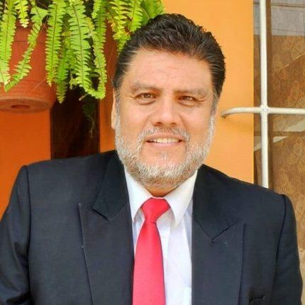 Dr. Luis Felipe Segura Chávez:  Director de la Escuela de Medicina